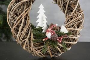 Bilde av Juletre på pinne, hvit 2 varianter